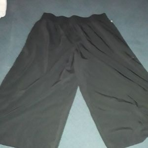 Fabletics cropped pants.